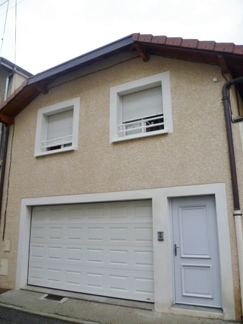 Location maison / villa Bourgoin jallieu 830€ CC - Photo 1