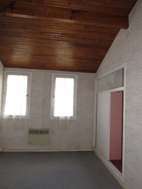 Sale house / villa Saint-jean-d'angély 80250€ - Picture 6