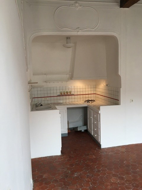 Rental apartment Lambesc 530€ CC - Picture 3