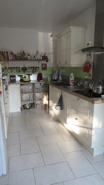 Sale house / villa Saint-jean-d'angély 222600€ - Picture 6