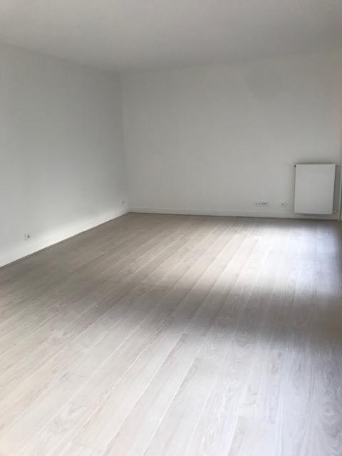 Appartement Paris 4 pièce (s) 96.92 m²