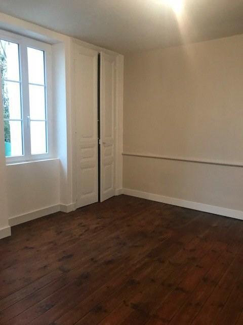 Rental house / villa Ruelle-sur-touvre 630€ CC - Picture 9