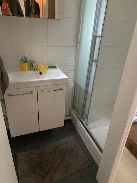 Location appartement Paris 18ème 1014€ CC - Photo 4