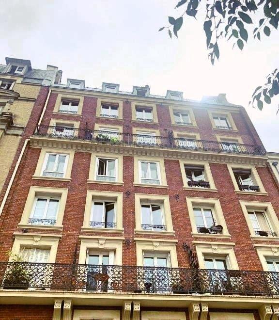 Sale apartment Paris 11ème 820000€ - Picture 1