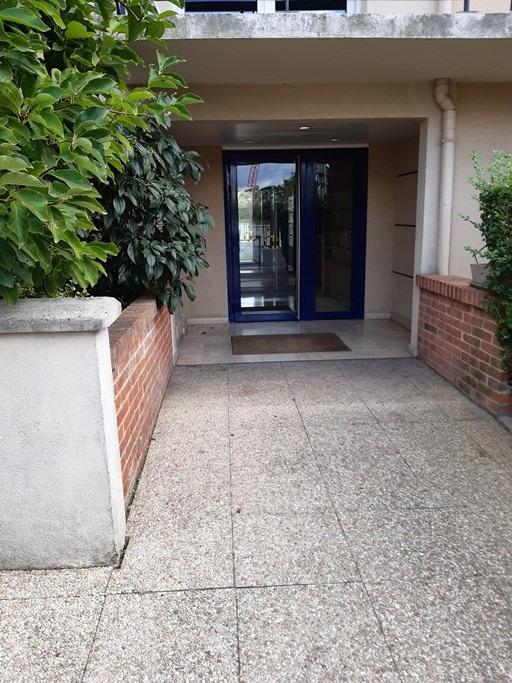 Rental apartment Bessancourt 875€ CC - Picture 10