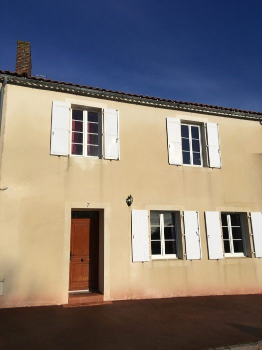 Investment property house / villa Les clouzeaux 260 700€ - Picture 1