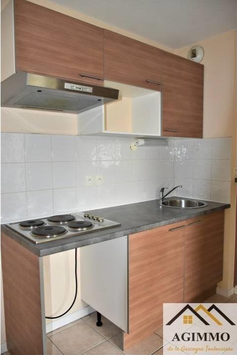 Sale apartment Mauvezin 86000€ - Picture 2