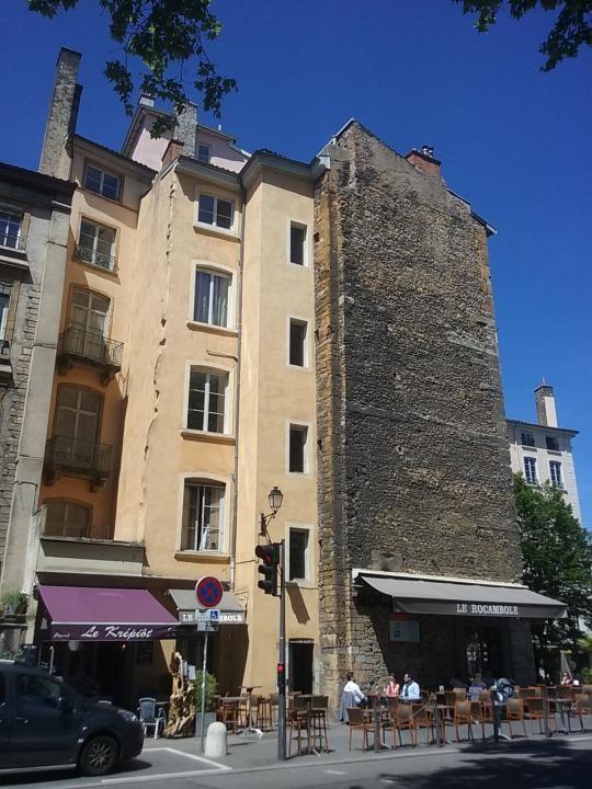 Location appartement Lyon 5ème 866€ CC - Photo 8