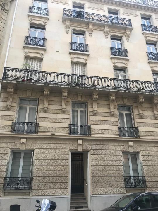 Rental empty room/storage Paris 16ème 2400€ HT/HC - Picture 1