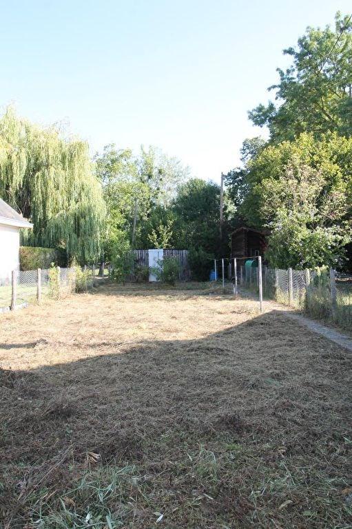 Sale house / villa La chartre sur le loir 72475€ - Picture 5
