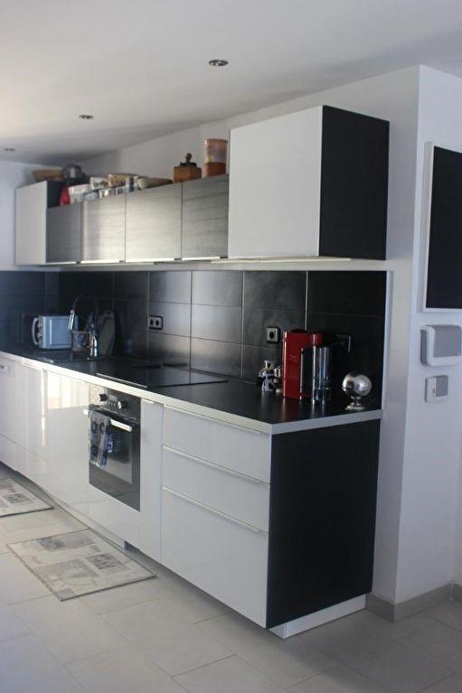 Sale apartment Marseille 8ème 289000€ - Picture 2