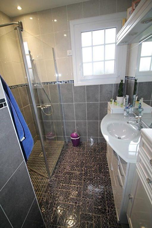 Sale house / villa La chartre sur le loir 165000€ - Picture 11