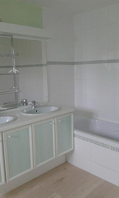 Rental apartment Chateau renault 480€ CC - Picture 4