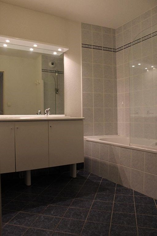 Verkoop  appartement Lambesc 249000€ - Foto 6