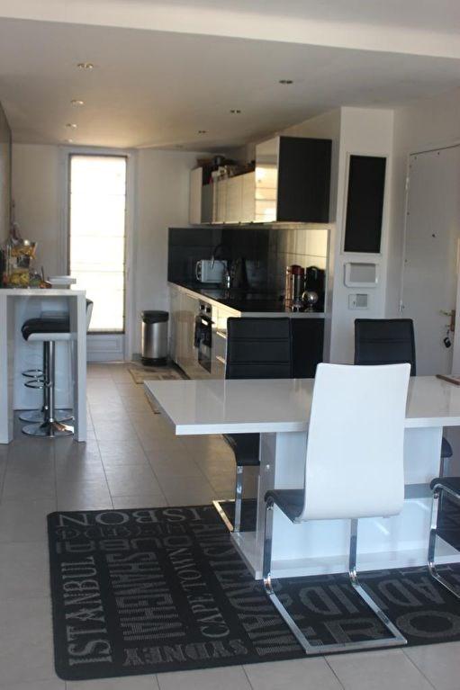 Sale apartment Marseille 8ème 285000€ - Picture 1