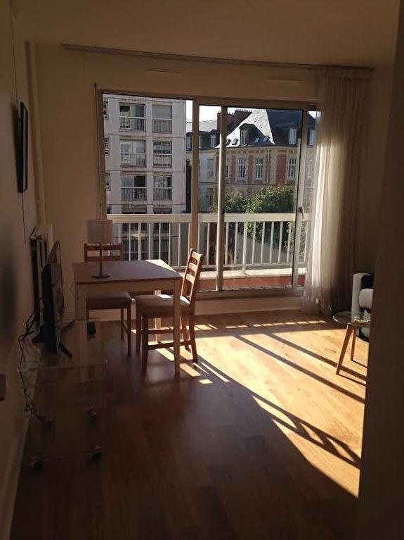 Rental apartment Paris 15ème 1072€ CC - Picture 4