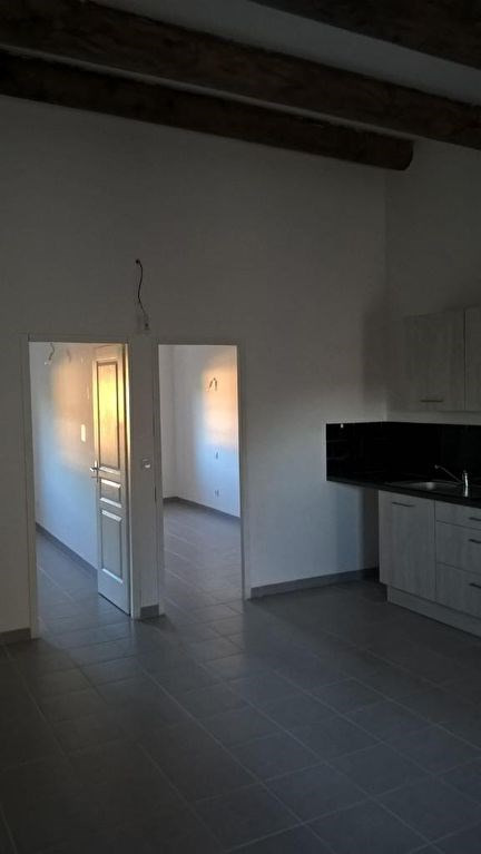 Location appartement Lambesc 885€ CC - Photo 5