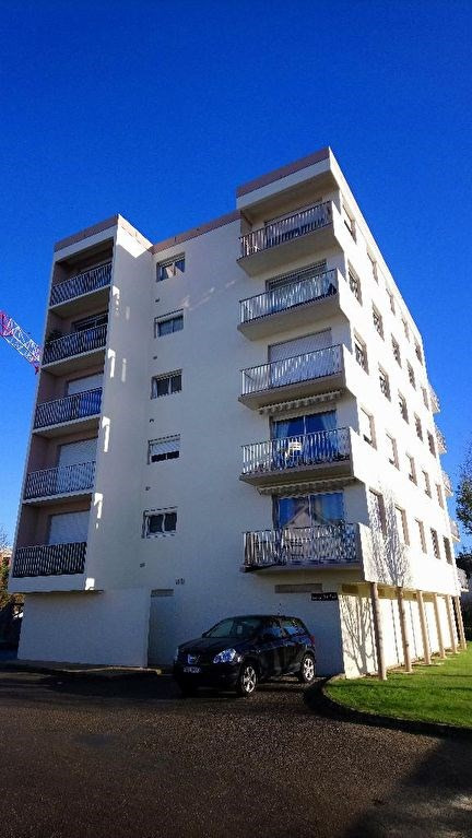Sale apartment Auray 73 000€ - Picture 2