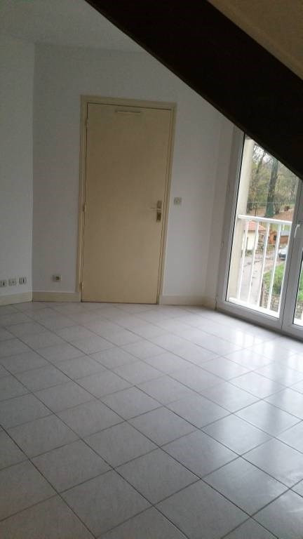 Location appartement Breuillet 531€ CC - Photo 3