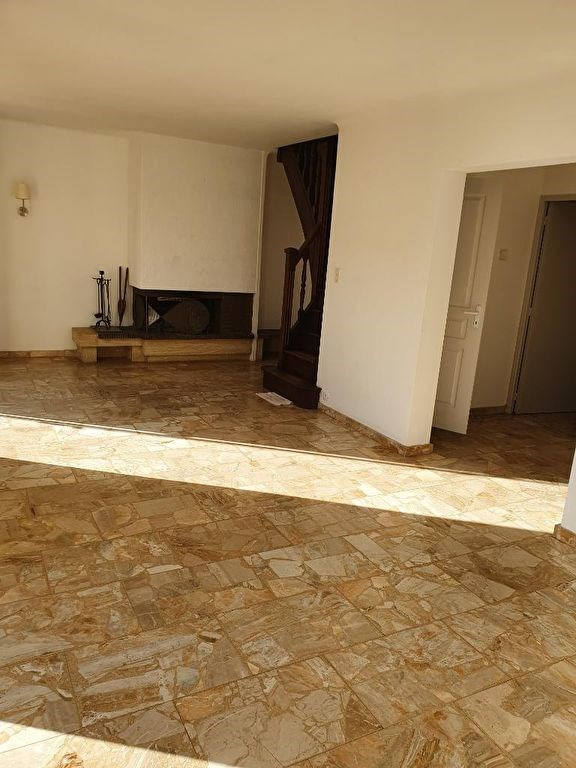 Location maison / villa Meyrargues 1250€ CC - Photo 13