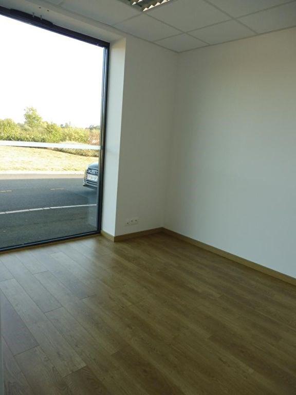 Rental empty room/storage Saint laurent de la plaine 650€ HC - Picture 2