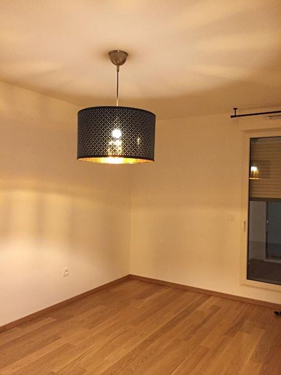 Rental apartment Rueil malmaison 1268€ CC - Picture 3