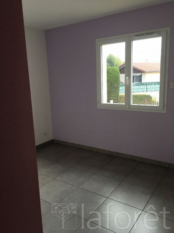 Location maison / villa Bourgoin jallieu 950€ CC - Photo 6