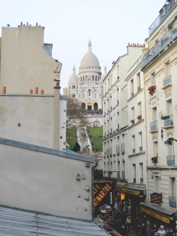 Location appartement Paris 18ème 1083€ CC - Photo 1