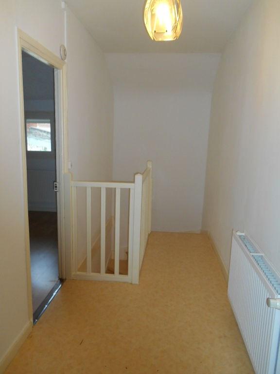 Rental house / villa Saint quentin 520€ CC - Picture 5