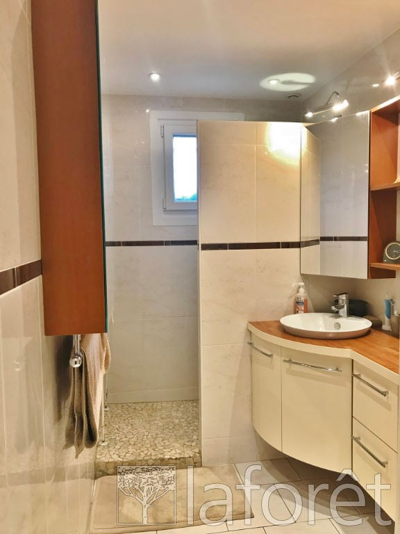 Sale house / villa Bourgoin jallieu 315000€ - Picture 7