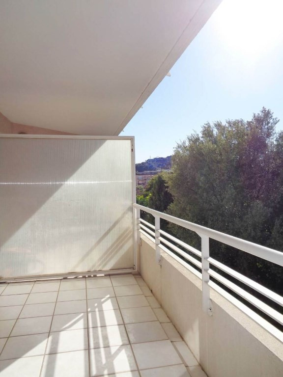 Locação apartamento Toulon 716€ CC - Fotografia 3