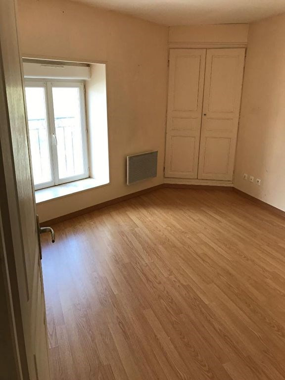 Sale house / villa Voves 99200€ - Picture 4
