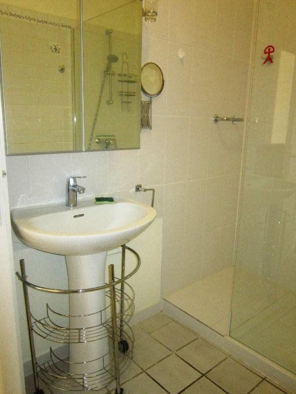 Alquiler  apartamento Lambesc 650€ CC - Fotografía 8