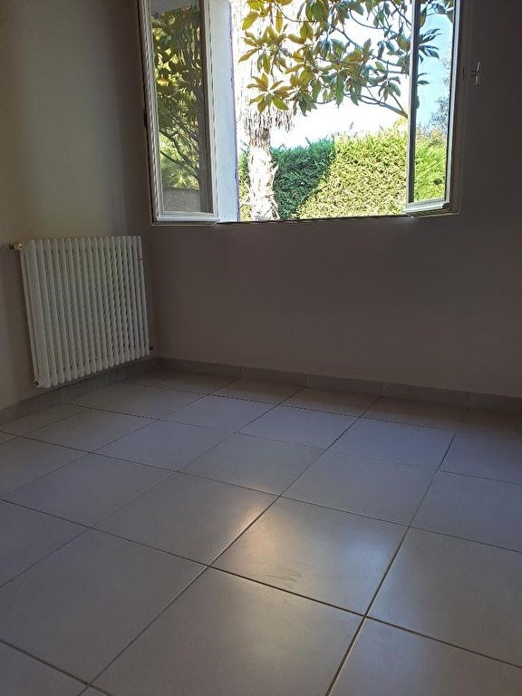 Location maison / villa Marseille 920€ CC - Photo 3
