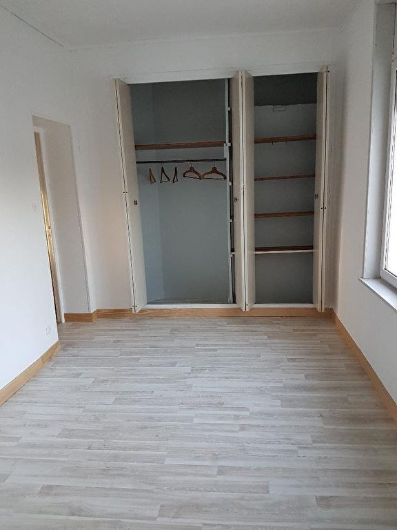 Location maison / villa Fontaine au pire 658€ CC - Photo 4