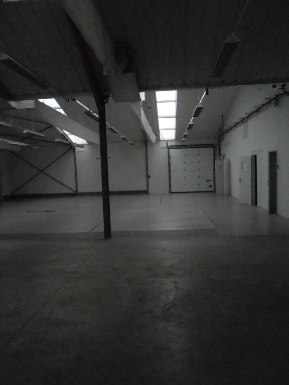 Location local commercial Plomelin 875€ CC - Photo 3