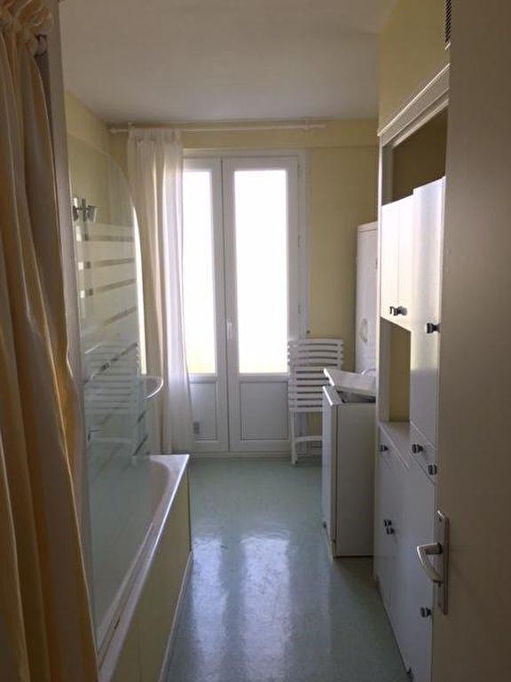 Sale apartment La rochelle 138000€ - Picture 5