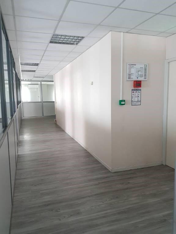 Alquiler  oficinas Montfavet 1584€ CC - Fotografía 3