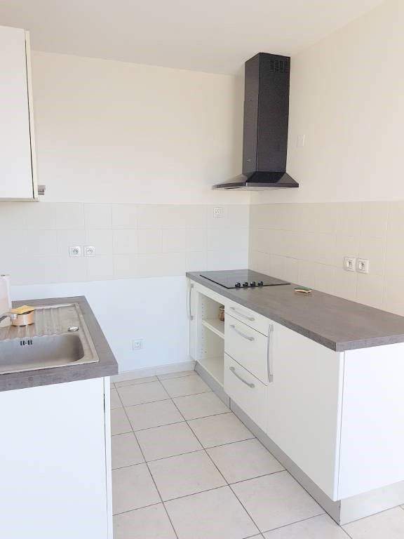 Location appartement Avignon 910€ CC - Photo 3
