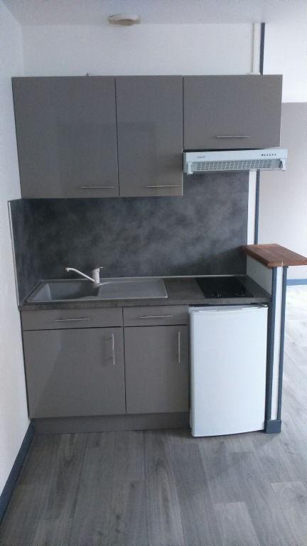 Rental apartment Saint quentin 355€ CC - Picture 6