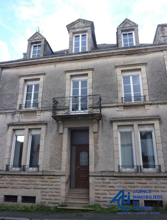Sale house / villa Pontivy 210000€ - Picture 1