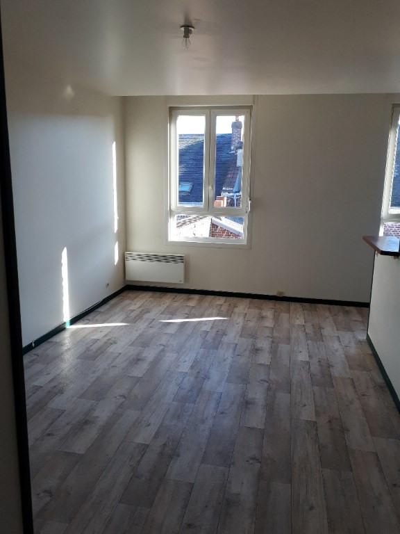 Rental apartment Saint quentin 405€ CC - Picture 3