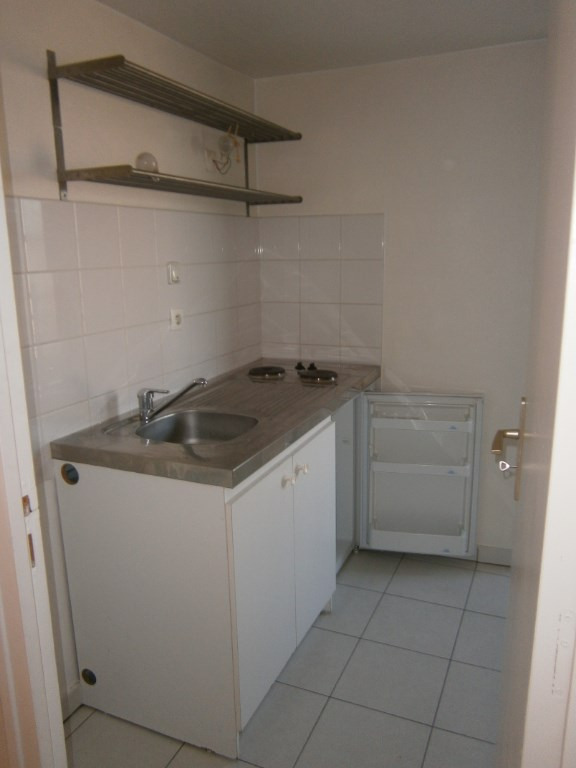 Rental apartment Versailles 865€ CC - Picture 4