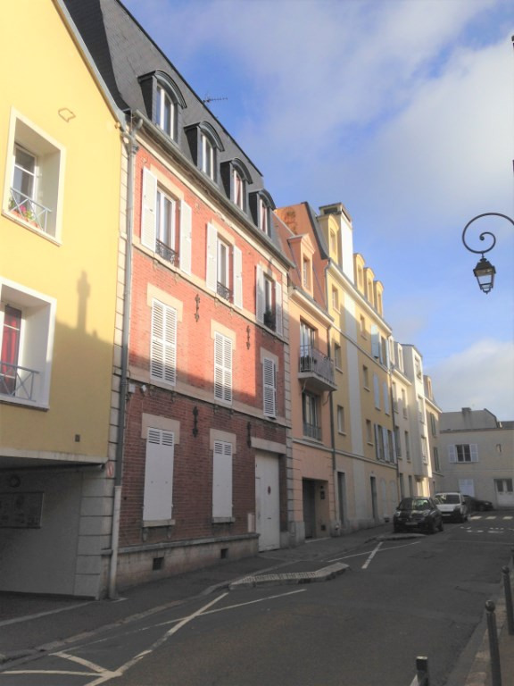 Location appartement Saint germain en laye 830€ CC - Photo 1