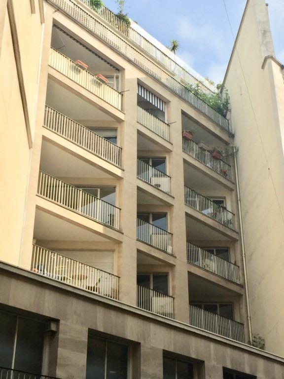 Sale apartment Paris 2ème 875000€ - Picture 2