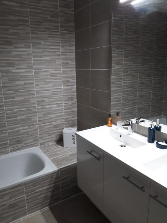 Vacation rental apartment Villeneuve loubet 550€ - Picture 3