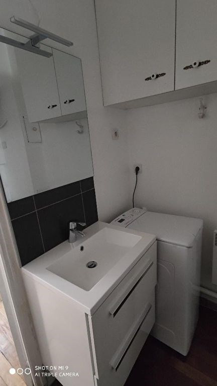 Rental apartment Saint quentin 360€ CC - Picture 3