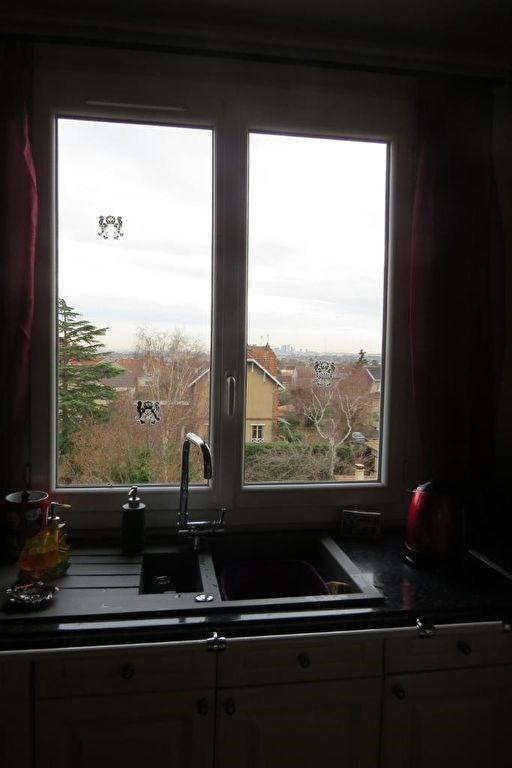 Sale apartment Le mesnil le roi 270000€ - Picture 6