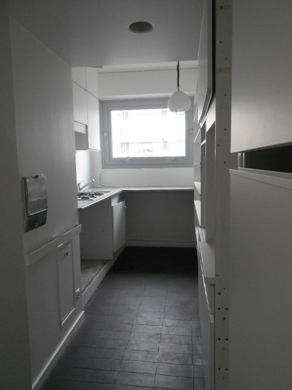 Rental apartment Paris 11ème 2200€ CC - Picture 6