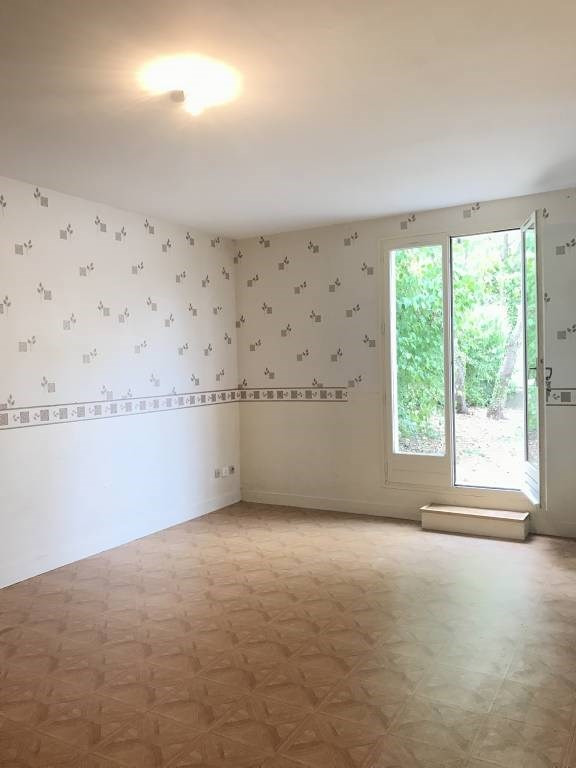 Location appartement Lardy 541€ CC - Photo 1